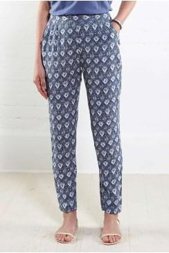 FILIGREE PEG TROUSER