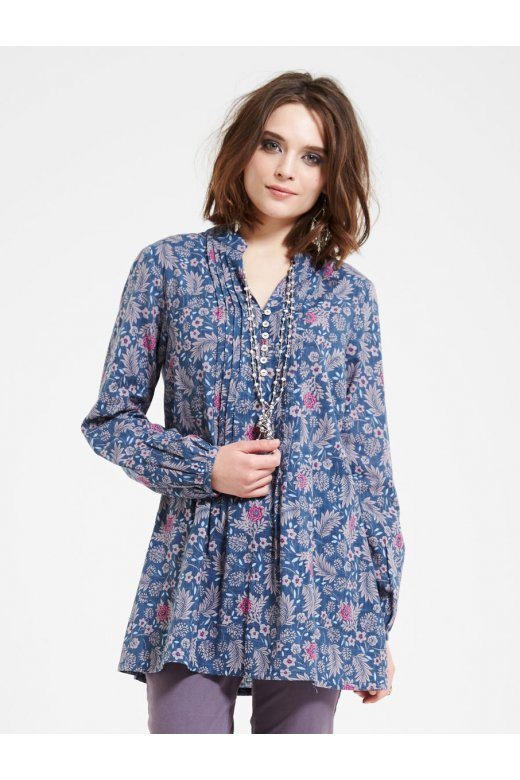 ea95d0a3e89 Beautifual Melhia Tunic from Nomads Clothing. Perfect for teaming with  jeans for a relxed causal look. Button detail at the neck and gathering for  a ...